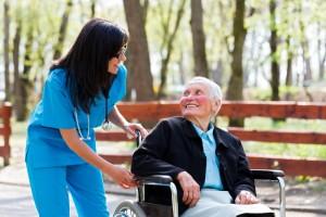 חוק הסיעוד דואג לקשישים הזקוקים לעזרה בחיי היום-יום