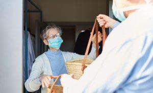 טיפול בקשישים בתקופת הקורונה :